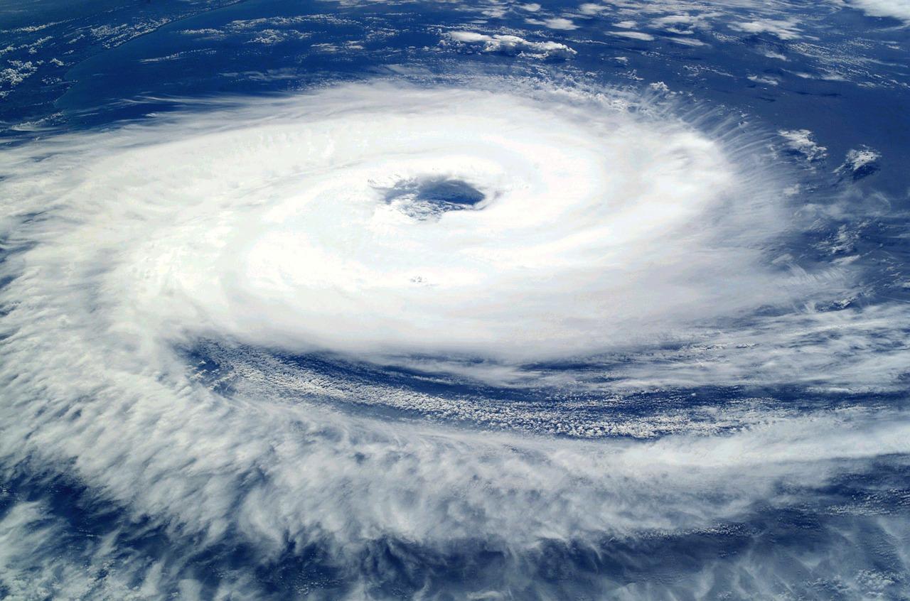 台風 画像