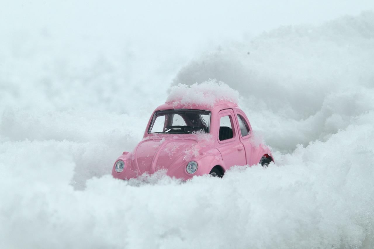 雪に覆われた車,画像